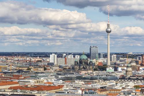 Jak Berlin próbuje radzić sobie z wysokimi cenami wynajmu mieszkań?