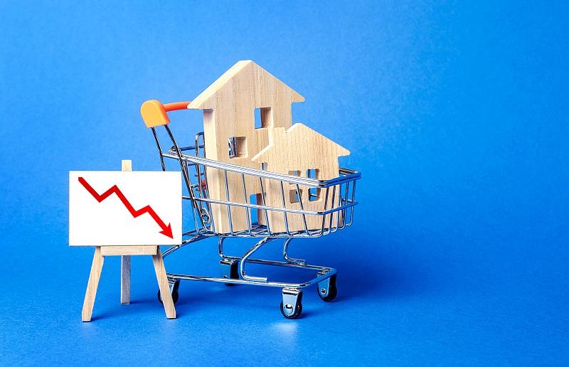 Spadek cen mieszkań nie pobudzi popytu